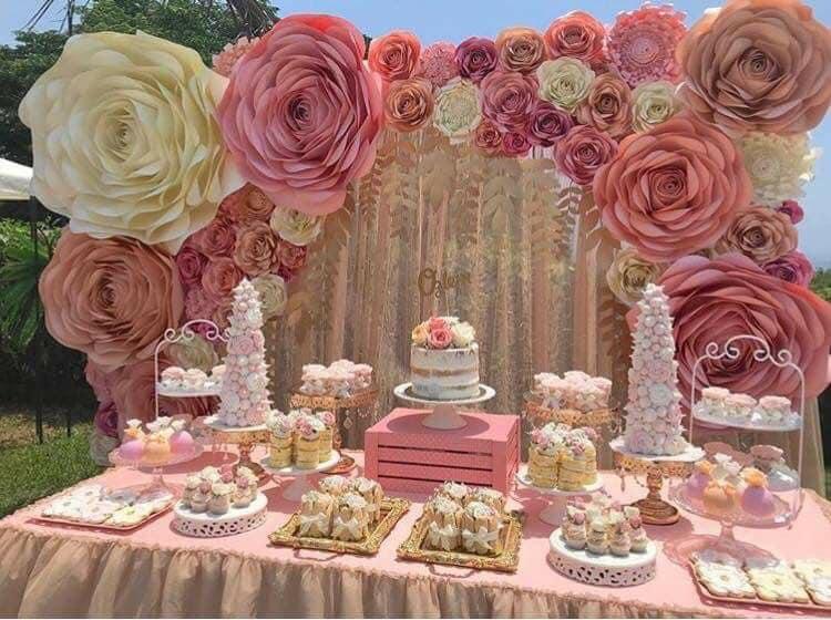 decoracion con flores para 15 años